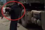 Bé trai 3 tuổi bị xe tải cán tử vong khi chạy xuống lòng đường