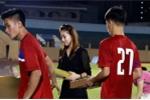 Nhếch nhác trao quà, nhà tài trợ thiếu tôn trọng U20 Việt Nam