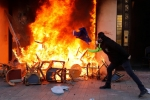 Pháp: Biểu tình 'áo vàng' bùng phát thành bạo lực, cướp bóc