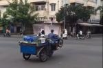 Video: Nam thanh niên bốc đầu xe ba gác giữa đường ở TP.HCM gây bức xúc