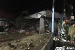 Tường cây xăng đổ sập đè nát quán vàng mã, 3 người bị thương