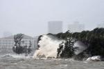 Bão số 2 áp sát đất liền, cách Thanh Hóa - Hà Tĩnh khoảng 160km