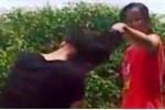 Phẫn nộ clip thiếu nữ bị bạn túm tóc tát tới tấp vào mặt