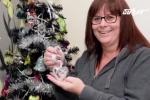 Trang trí cây thông Noel bằng... tro cốt người chết