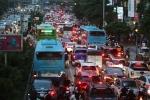 Hà Nội mở làn đường riêng cho xe buýt, người dân nói gì?