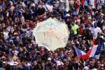 Phap vo dich World Cup: CDV phu kin Dai lo Champs-Elysees, khoi mu mit khap Paris hinh anh 8