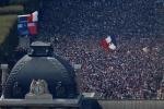 Phap vo dich World Cup: CDV phu kin Dai lo Champs-Elysees, khoi mu mit khap Paris hinh anh 1