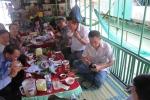 Bộ trưởng Trương Minh Tuấn ăn mực 'nhảy' ở Vũng Áng