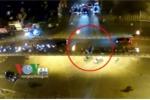 Video toàn cảnh: Lái xe taxi tự tử sau khi gây tai nạn trên cầu vượt Thái Hà