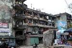 Rợn người chung cư cũ giữa lòng Thủ đô