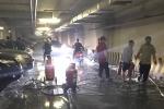Ô tô bốc cháy tại hầm để xe câu lạc bộ bia ở Hà Nội