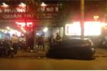 Tài xế ô tô say rượu tông hàng loạt xe đỗ trên vỉa hè Hà Nội