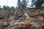 Sạt lở khủng khiếp sau lũ ở Huế, sông Hương 'nuốt trọn' cơ nghiệp của dân