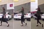 Clip: Người đẹp lấy xe theo phong cách quý tộc và cái kết 'té ngửa'