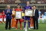 Man City khen Việt Nam tổ chức tốt, bầu Hiển mơ Messi, Neymar