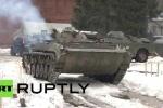 Clip: Dân công sở Nga thuê xe thiết giáp để trượt tuyết