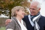 Cách chăm sóc người cao tuổi khi trời rét