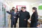 Ảnh: Ông Kim Jong-un và vợ thăm nhà máy dược lâu đời nhất Triều Tiên