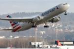 Người phụ nữ lao vào buồng lái khi máy bay hạ cánh rồi cắn, đạp tiếp viên