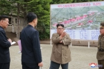 Anh: Ong Kim Jong-un tich cuc thi sat nhieu noi phia Dong bac Trieu Tien hinh anh 18