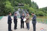 Anh: Ong Kim Jong-un tich cuc thi sat nhieu noi phia Dong bac Trieu Tien hinh anh 21