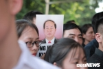 Gần 800 giáo viên, học sinh trường THPT Chu Văn An xếp hàng dài viếng Chủ tịch nước Trần Đại Quang