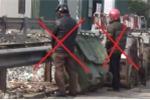 Video: Bất chấp phạt nặng, 'quý ông, quý bà' vô văn hóa vẫn tiểu tiện khai mù phố Thủ đô