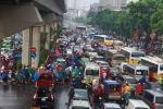 Ảnh: Mưa lớn hàng tiếng đồng hồ, giao thông Hà Nội hỗn loạn