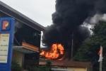 Trạm biến áp phát nổ cạnh cây xăng ở Bắc Ninh, người dân hoảng loạn tháo chạy