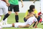 Quang Hải mặt rướm máu, Olympic Việt Nam dìu nhau ăn mừng chiến thắng Syria