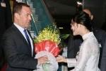 Thủ tướng Nga bắt đầu thăm chính thức Việt Nam
