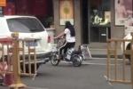 Chồng tự ý cắt dải phân cách giữa đường để vợ... tiện đi làm