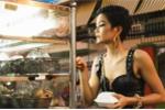 H'Hen Niê mặc đồ hiệu, mua bánh bao, ăn ốc nóng trong hẻm nhỏ Sài Gòn