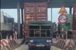 Xe tải núp bóng xe container trốn 40.000 đồng phí BOT gây bức xúc mạng xã hội