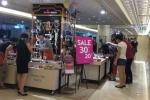 Hàng hiệu ở Tràng Tiền Plaza giảm giá 'sốc' vẫn ế ẩm