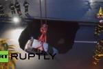 Clip: Hố tử thần rộng 8m nuốt chửng ô tô ở Italia
