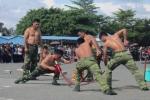Bộ đội Biên phòng biểu diễn sức mạnh quyền cước, khí công