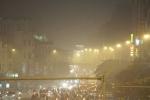 Hà Nội mờ ảo trong lớp sương mù 'lạ'