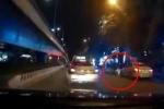 Clip: Kinh hoàng 'xe điên' BMW đâm liên hoàn xe máy, bỏ trốn tốc độ cao