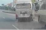 Clip: Xe khách lạng lách, 'vỉa' nhau trên đường đầy nguy hiểm