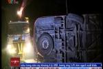 Video: Xe khách đâm xe tải thảm khốc trên cao tốc Pháp Vân