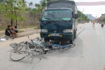 Đi ôn thi bị xe tải đâm, 6 học sinh thương vong