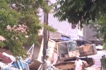 Clip: Hiện trường sập nhà 5 tầng giữa phố sầm uất, vùi lấp 6 người ở Cao Bằng