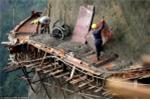Choáng váng cảnh thi công đường ngang trời ở Trung Quốc