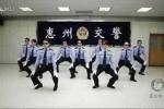 Phát sốt với màn hát rap, nhảy bốc của nam nữ CSGT