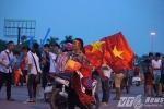 Việt Nam - Manchester City: Người hâm mộ háo hức, dân ve phé méo mặt