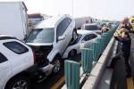 Tai nạn liên hoàn 100 chiếc ô tô ở Hàn Quốc