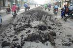 Người đi đường gặp họa vì kẻ đổ bùn bất lương