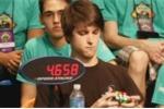 Clip: Kỳ tích giải rubik thần tốc trong chưa đầy 6 giây