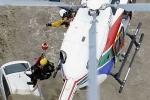 Video: Cứu hộ Nhật Bản đu dây từ trực thăng giải cứu dân trong biển lũ